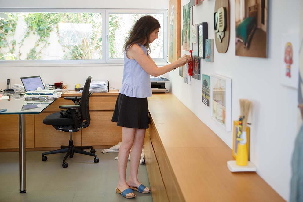 ביקור אצל קרן בר-גיל, צילום: אורית ארנון www.pnim.co.il