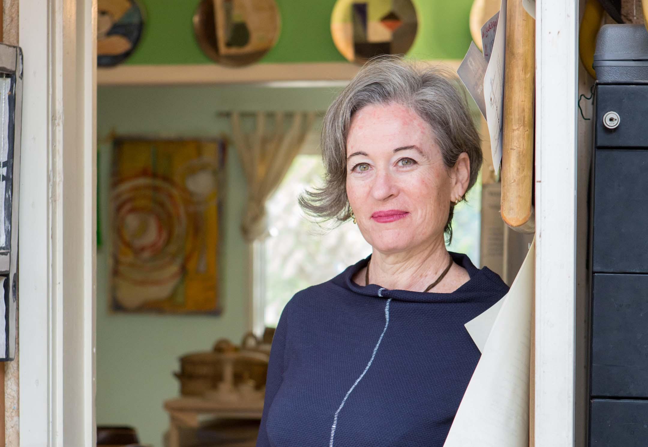 נעים להכיר: לורי גולדשטיין, www.pnim.co.il, צילום: אלונה להב
