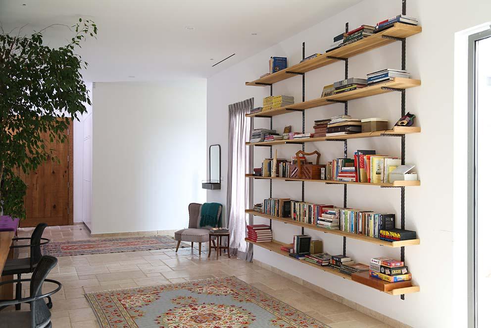 עיצוב מרב שדה www.pnim.co.il