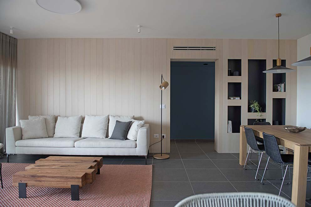 עיצוב: שני מור, צילום: גלעד רדט, www.pnim.co.il