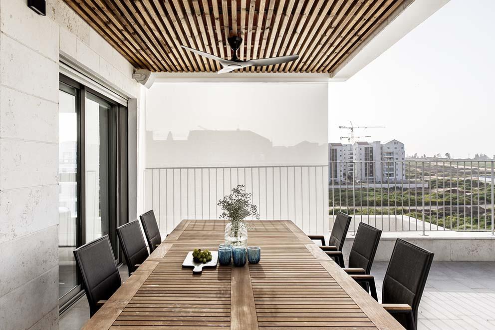 אדריכלות ועיצוב פנים: לוי חמיצר אדריכלים, הום סטיילינג: מיכל וולפסון, צילום: איתי בנית